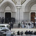 Terrorismo en Francia: Tres muertos, mujer decapitada, en Niza; Otro ataque abortado en Avignon; Vídeos