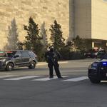 Ocho heridos en tiroteo en centro comercial de Wauwatosa, Wisconsin, Estados Unidos