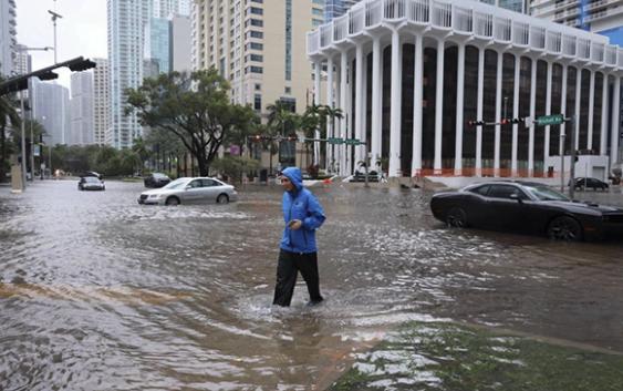 Tras causar estragos por Centroamérica Tormenta Tropical Eta golpea La Florida