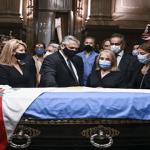 Extienden velatorio senador y expresidente Carlos Menem por cantidad de publico asiste a despedirle