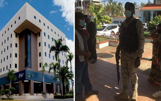 Denuncia guardia intimida clientes BanReservas en Sosua; Aspira esa actitud con haitianos delincuentes