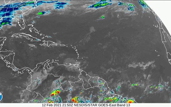 Onamet: Combinación vaguada y viento del este-sureste generando aguaceros; Recomienda a embarcaciones