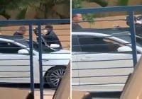 Este vídeo muestra como banda armada despoja de su carro a joven a plena luz del día
