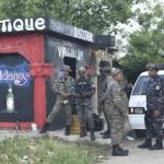 Cuatro personas mueren en tiroteo en Villa Riva, RD; Capitán grave; Quemán vehículo de la Policía
