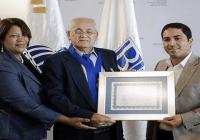 Unesco instituye y otorga galardón al periodista José Bujosa en ocasión del Día de la Libertad de Prensa