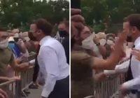 Abofetean al presidente de Francia Emmanuel Macron cuando se acerca a la valla a saludar; Vídeo