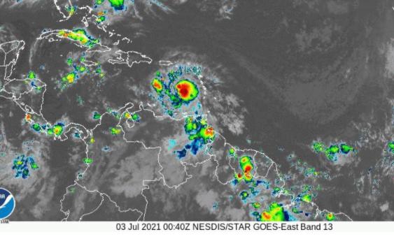Centro Nacional de Huracanes avisa huracán Elsa está a menos de 500 millas al este-sureste de Isla Beata, RD