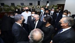 Sepultureros PLD encabezado por Danilo acuden a funeraria a dar pésame Leonel por muerte de su madre