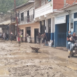 Venezuela: Sismo de 4,8; 20 muertos y nueve estados en emergencia por lluvias; Identifican víctimas; Vídeos