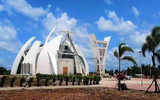Presidente Abinader anunció continuación del Santuario Cristo de los Milagros o de Bayaguana